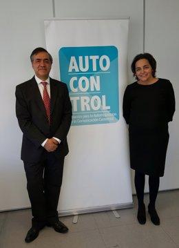 Almudena Román Y José Domingo Gómez, Autocontrol