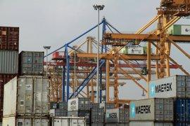 """El Puerto de València dice que el tráfico de contenedores ha bajado un 20,6% por la """"baja productividad"""" de la estiba"""