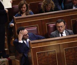 """Rajoy echa en cara al PSOE que no aporta """"ninguna idea que sirva"""" para la crisis con Cataluña"""