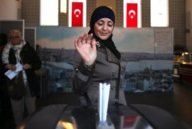 El Gobierno de Ámsterdam ordena retirar la propaganda turca de un centro de votación