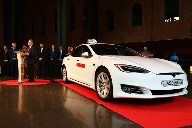 Presentación del taxi eléctrico