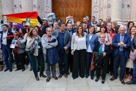 """Susana Díaz: Andalucía """"da un paso más"""" para dignificar a las víctimas del franquismo con la Ley de Memoria"""