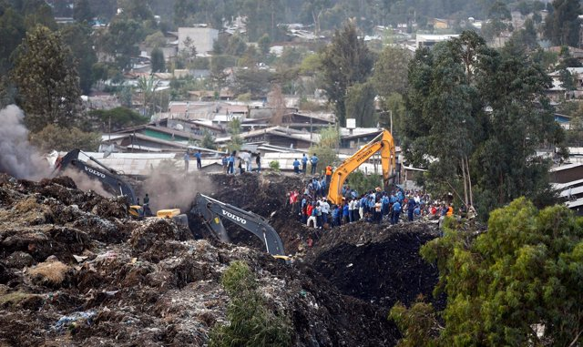Derrumbe en un vertedero de Adís Abeba