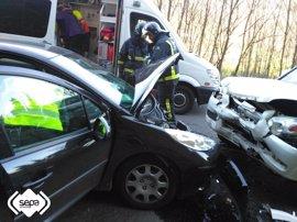 Una mujer de 70 años resulta herida en un accidente entre dos vehículos en la AS-219 en Allande