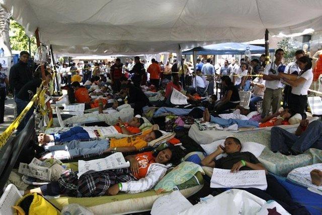 Estudiantes en huelga de hambre en Venezuela