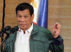 Un parlamentario opositor de Filipinas presenta una moción para un juicio político contra Duterte