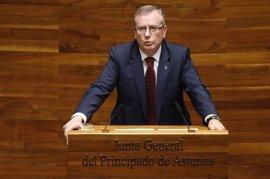 Del Busto niega listas negras en la espera de la Sanidad asturiana y dice que son las más completas del Estado