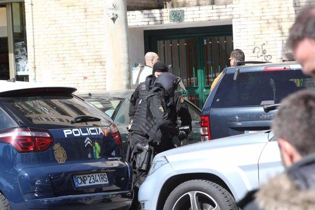 La Policía detiene al hombre que disparó a su pareja en Orcasitas (Madrid)