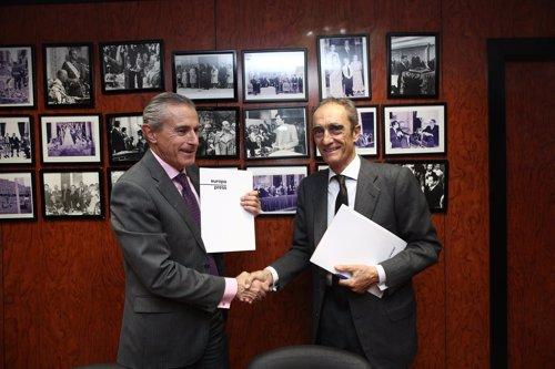 Los presidentes de la Fundación Lealtad y Europa Press firman un acuerdo