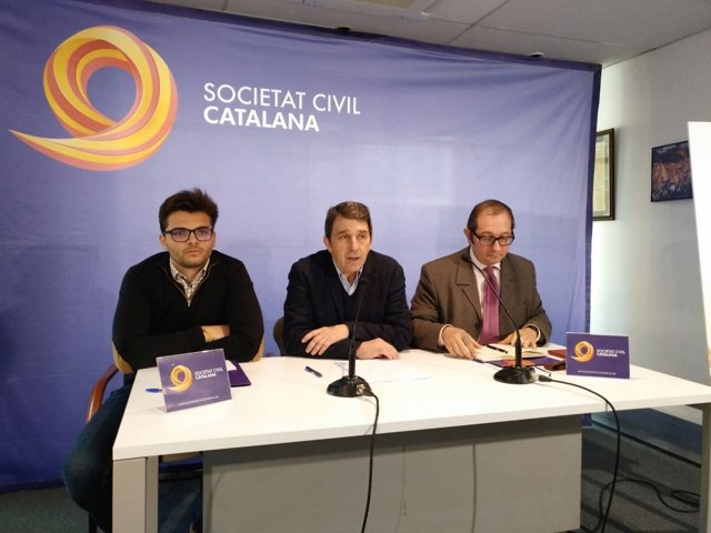 El vicepresidente de SCC, José Domingo, junto a Rafael Arenas y Josep Lago