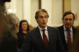 """De la Serna dice que con el rechazo a la estiba """"se da un palo al Gobierno que pagan los españoles"""""""