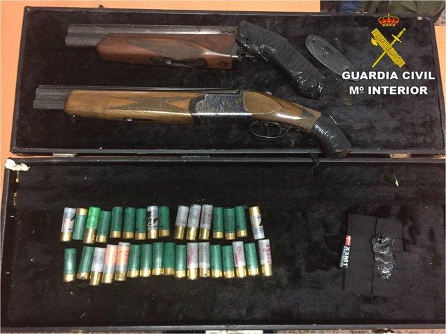 Las dos escopetas recortadas localizadas