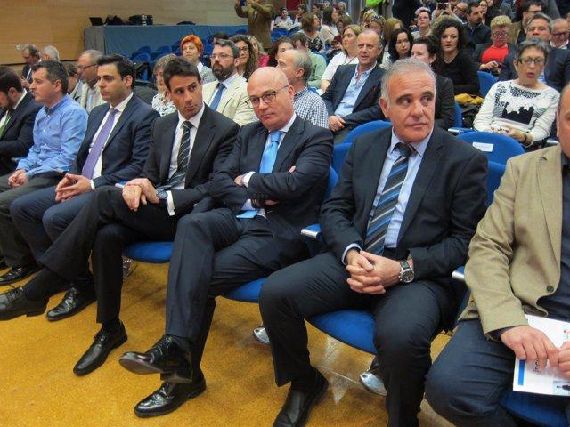 Jaume Farré, Primero Por La Derecha, Junto A Juan Hernández