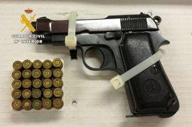 Detenido en Burgos un septuagenario en posesión de dos pistolas, una de ellas real y otra de fogueo