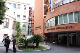 El juez reabre la causa contra dos anestesistas del Clínico por coacciones y les cita en mayo