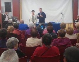 La Junta comienza las charlas sobre el metro de Granada a colectivos sociales en el centro de día del Zaidín