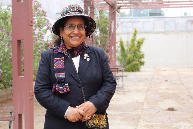 La profesora Carmen Escalante