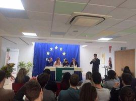 Más de medio centenar de jóvenes de diferentes países analizan en Torremolinos los retos de la UE