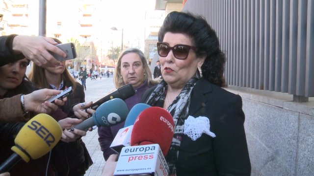 Fiscalia pide la retira del pasaporte para Ciscar y su hijo