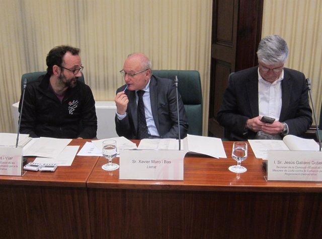 Benet Salellas (CUP), el abogado Xavier Muro y Jesús Galiano (C's)