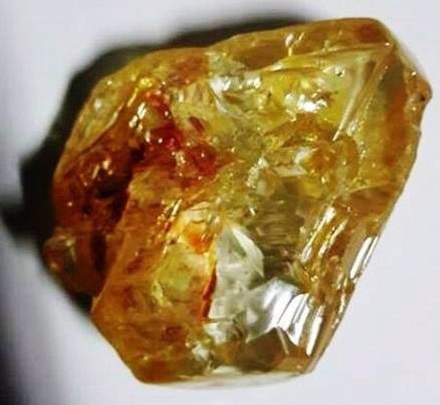 Diamante de 706 quilates encontrado en Sierra Leona
