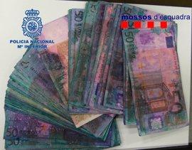 Cae un grupo por cambiar en España billetes marcados procedentes de atracos en Francia
