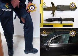 Detienen a un violento individuo cuando pretendía agredir a su expareja armado con un machete en Calasparra