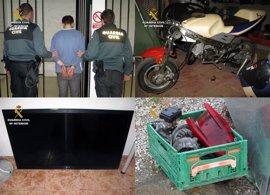 La Guardia Civil detiene a un violento delincuente y a seis menores por una veintena de robos y atracos