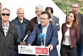 """PSOE-A acusa a Moreno y Bendodo de """"amparar prácticas mafiosas"""" del PP en la Costa del Sol"""