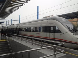 Renfe refuerza por San José con 6.000 plazas adicionales los Avant entre Madrid, Segovia y Valladolid