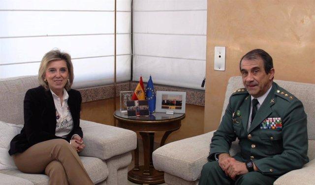 María José Salgueiro y Juan Miguel Recio, en la Delegación del Gobierno.