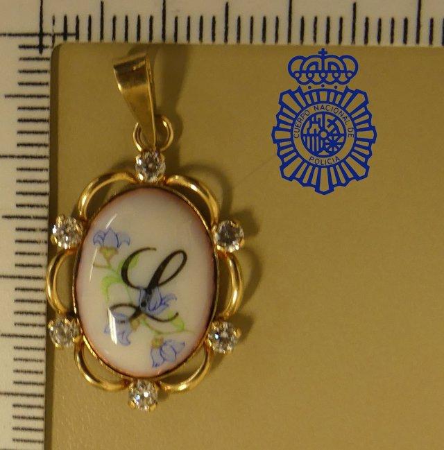 Medalla recuperada por la Policía