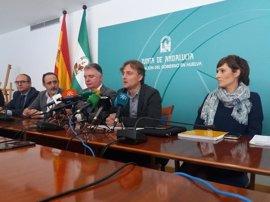 """La Junta ve """"lógica"""" la decisión de suspender el dragado de profundización en el Guadalquivir"""