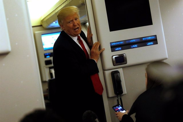 Donald Trump en el Air Force One