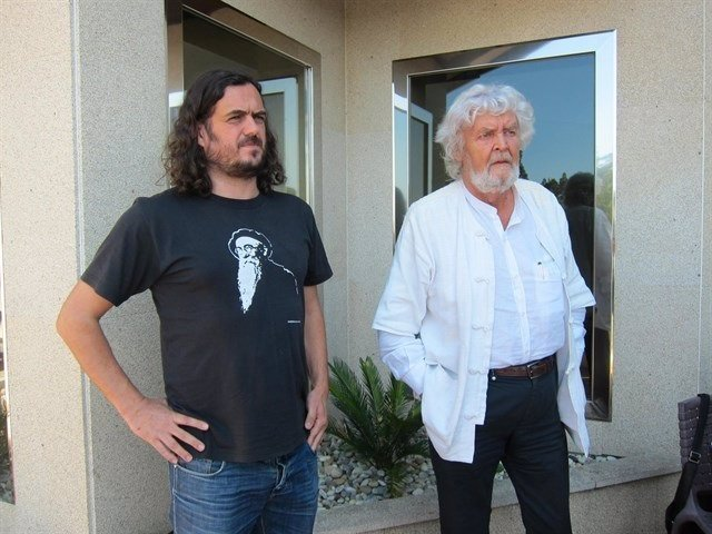 Antón Sánchez y Xosé Manuel Beiras en una Coordinadora de Anova