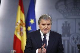 """El Gobierno estudia presentar una """"apoyatura legal"""" a los PGE para convocar oferta docente y militar en 2017"""