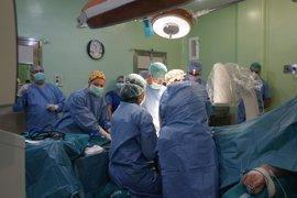El Servicio de Traumatología y Cirugía Ortopédica realiza la primera artoplastia de tobillo en el Hospital de Cuenca