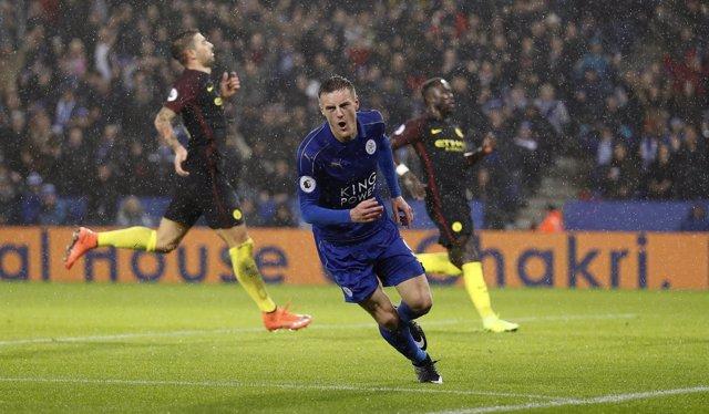 El Leicester se impone al City de Guardiola y el Arsenal se pone líder