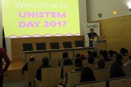 Estudiantes andaluces se acercan a la investigación con células madre en un acto simultáneo en siete países