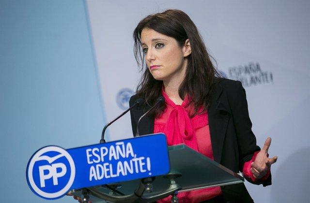 Andrea Levy en una comparecencia ante los medios en Génova