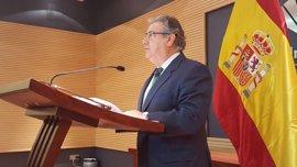 """Zoido rechaza valorar """"escenificaciones"""" de ETA y dice que el verdadero desarme es el que hacen las fuerzas de seguridad"""