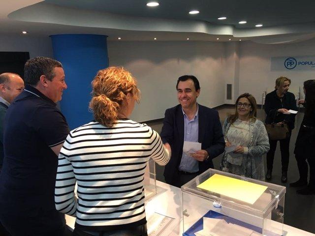 Zamora. Martínez Maíllo vota en la sede del PP