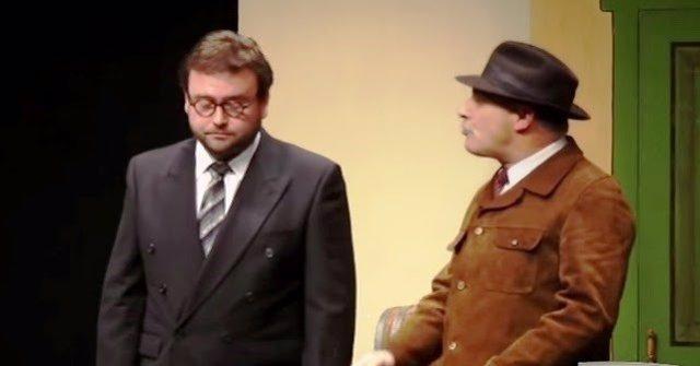 Sergio Buelga (izquierda) nuna actuación.