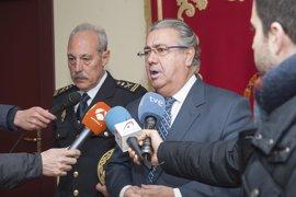 """Zoido dice que el Gobierno """"piensa de manera distinta a Otegi"""" e insiste en la """"disolución total"""" de ETA"""