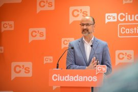"""Fuentes confía en que el PP aparque sus """"crisis internas"""" y se centre en lo que """"preocupa"""" a los castellanoleoneses"""