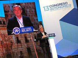 """Barreiro dice que el PP tiene """"una gran deuda de gratitud"""" con Cospedal porque le tocó """"asumir las patatas calientes"""""""
