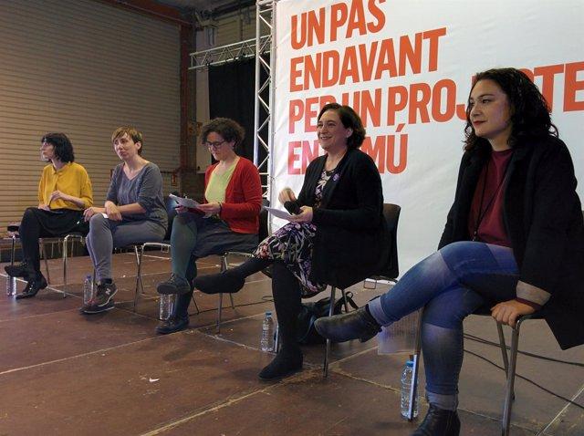 Mar García, Maria Freixanet, Adriana Sabaté, Ada Colau y Laura Pérez