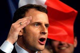Macron promete instaurar un servicio militar obligatorio y universal de un mes