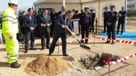 Colocan la primera piedra de la nueva comisaría del Cuerpo Nacional de Policía de Vélez-Málaga