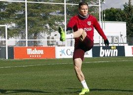 Gameiro, Gabi y Giménez regresan a la convocatoria del Atlético para recibir al Sevilla